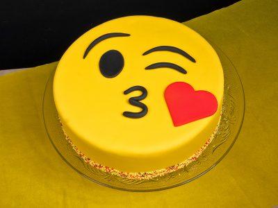FunCakes Recept Emoji Kiss Taart