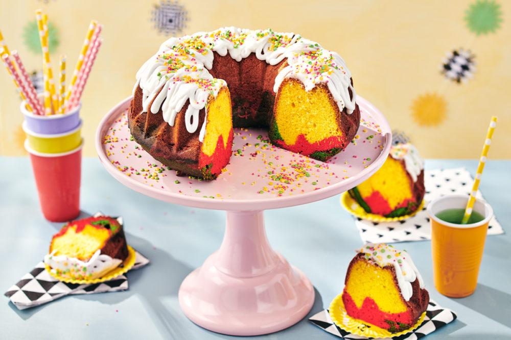 Surinaamse gekleurde cake