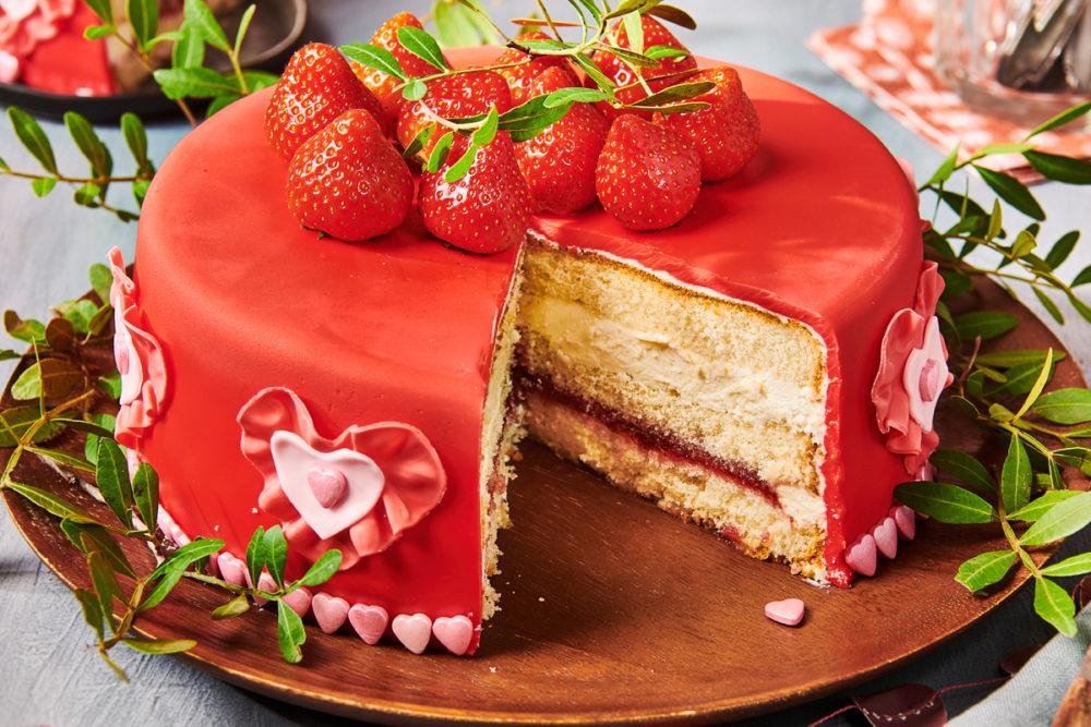 Loving Fondant Cake Funcakes