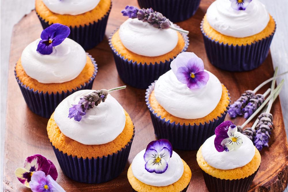 Low sugar cupcakes met Enchanted Cream®