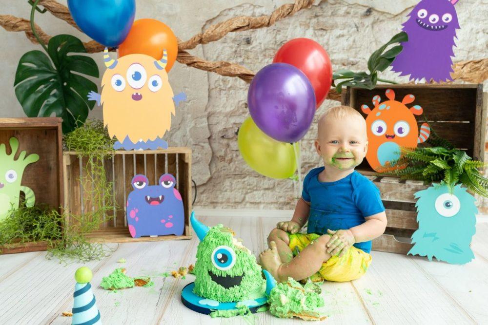 Monster cake smash