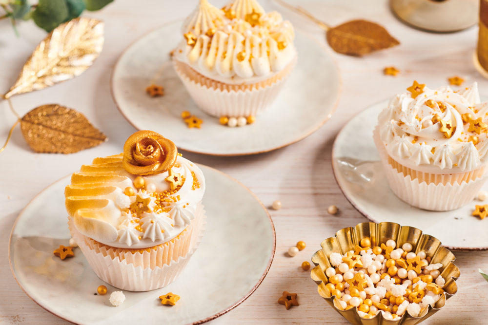 Touch of gold cupcakes