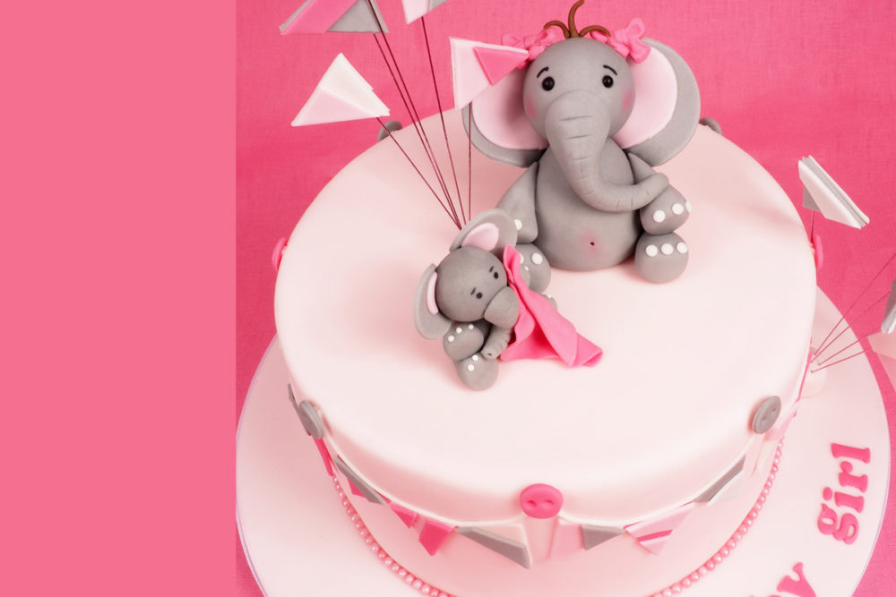 Babyshower cake with elephants