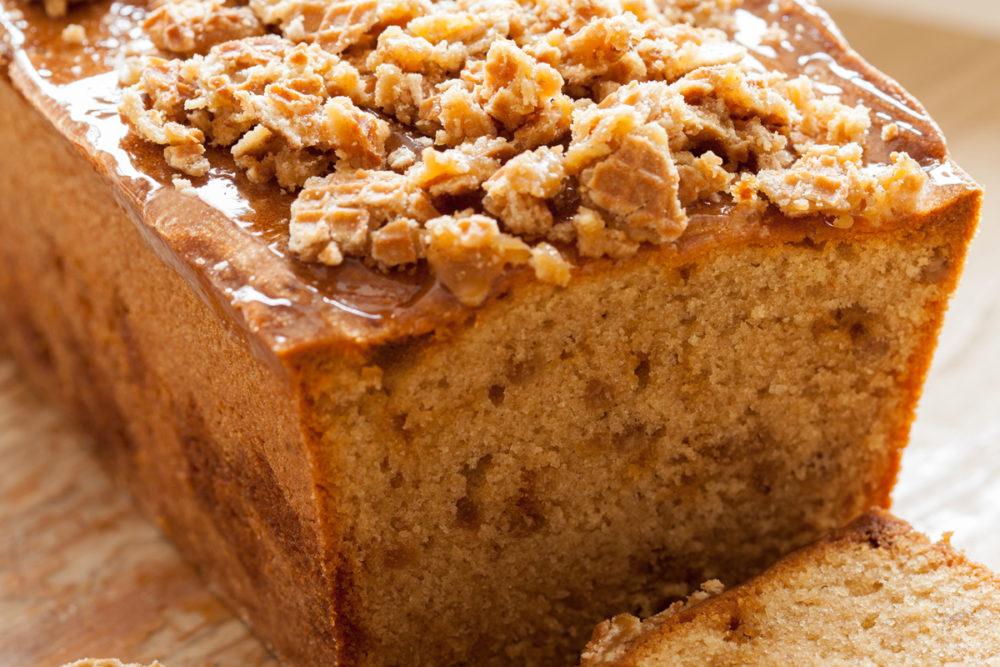 Caramel cookie cake